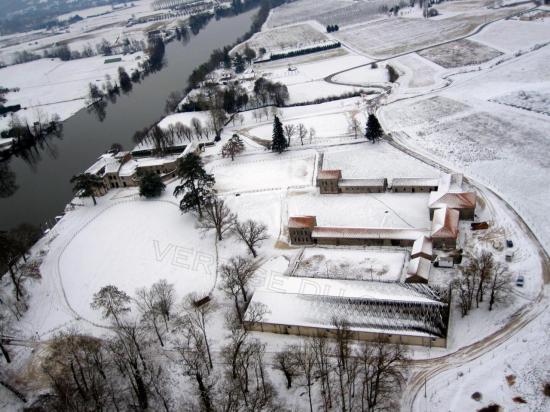 chateau de rogé paysage enneigé